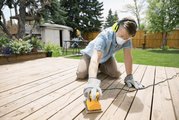 5 Expert Tips for Choosing the Right Deck Stain
